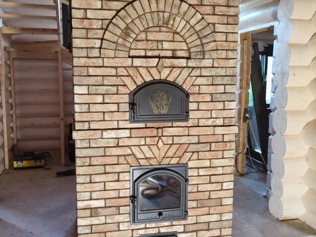 Печь с хлебной камерой. арками, декоративным поясом